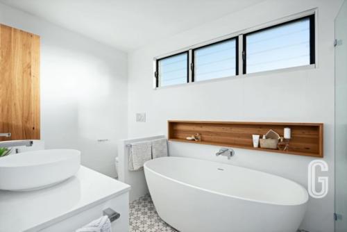 Merewether House 1 - Bath